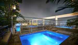 ホーチミンのウィンザー プラザ ホテルのプール