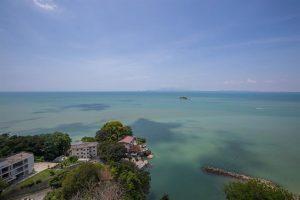 ペナン島のホテルと海