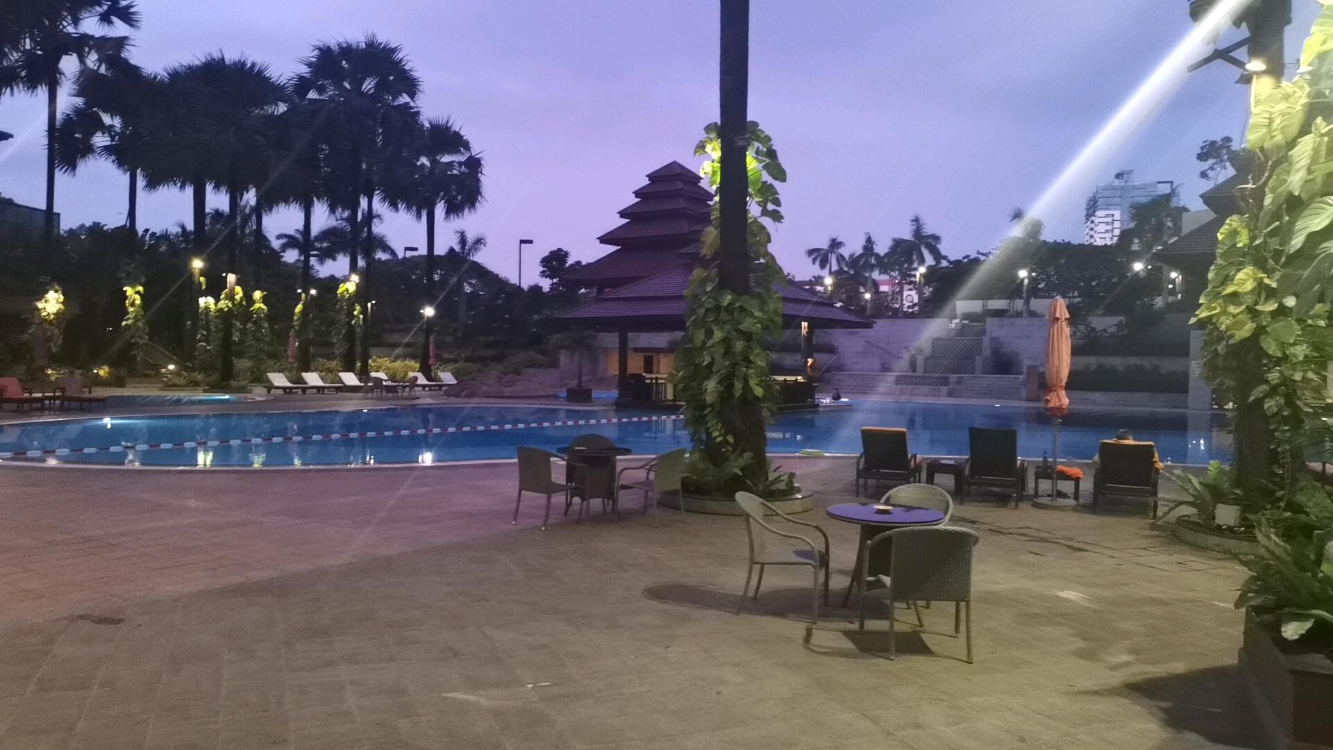 セドナホテルのプール②