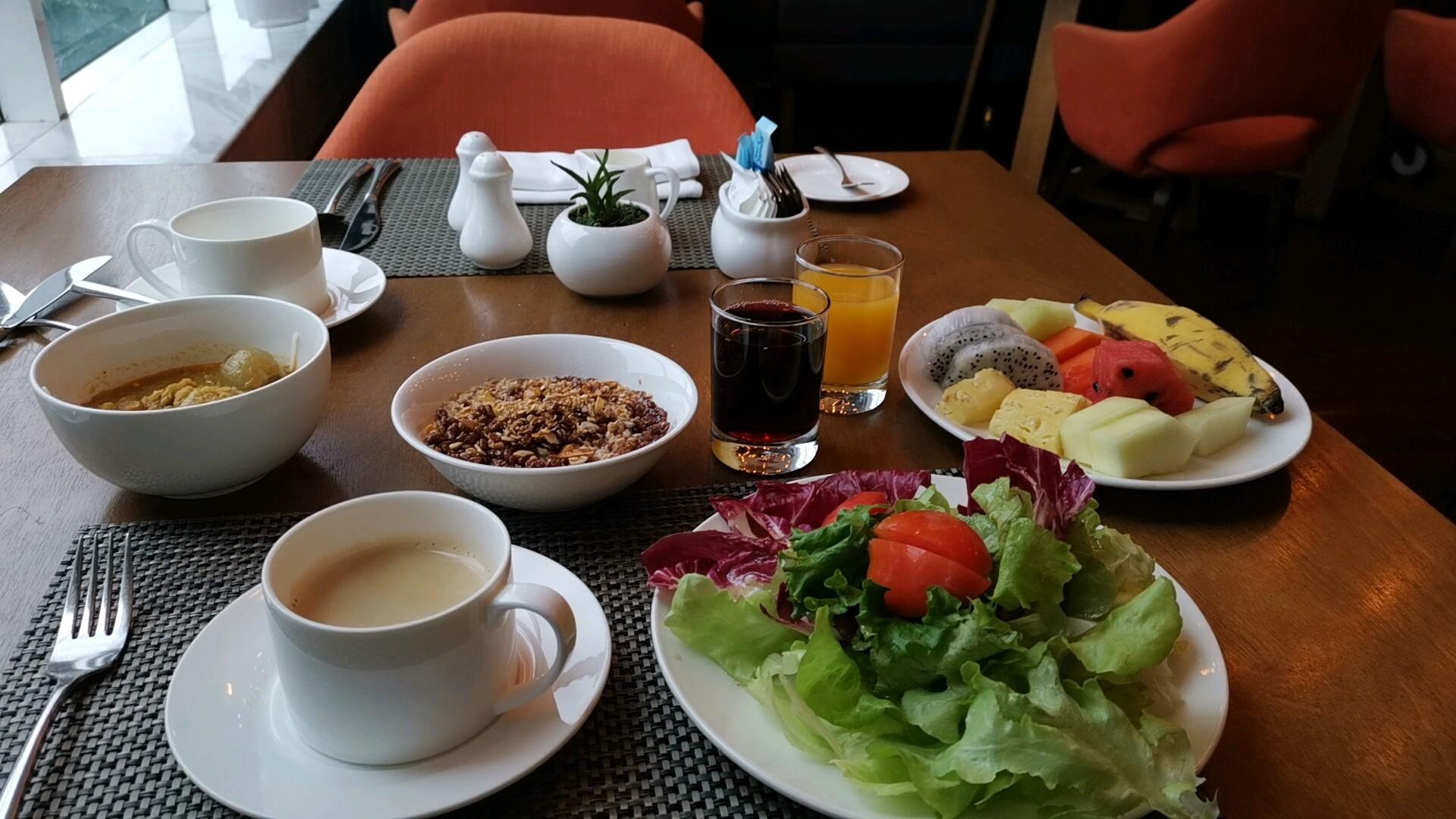 メリアヤンゴンの朝食