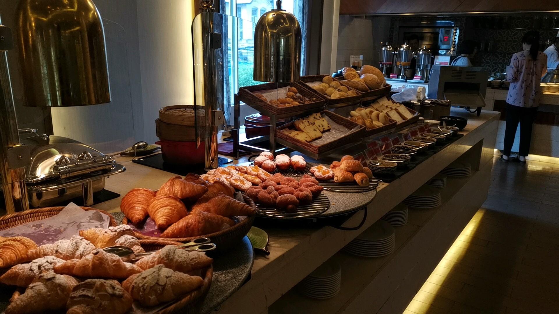 パークロイヤルヤンゴンのパンコーナー