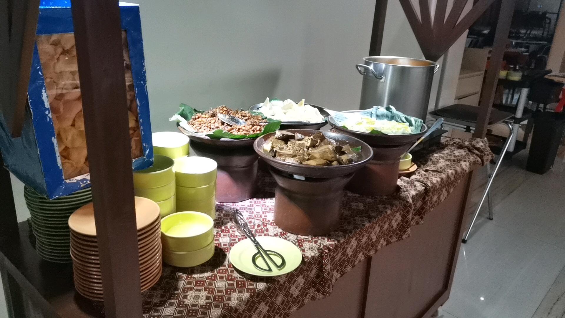 朝食ビッフェのインドネシア料理