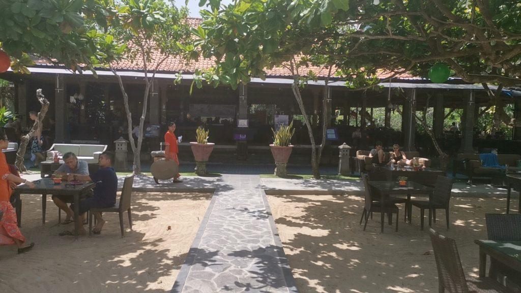 ビーチサイドのレストラン