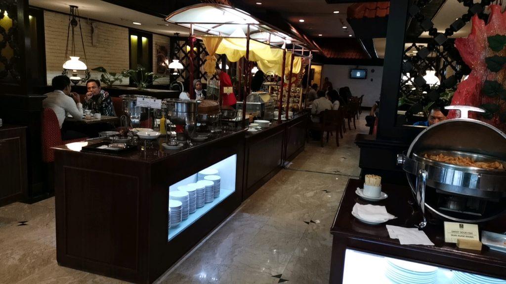 朝食ビッフェ会場