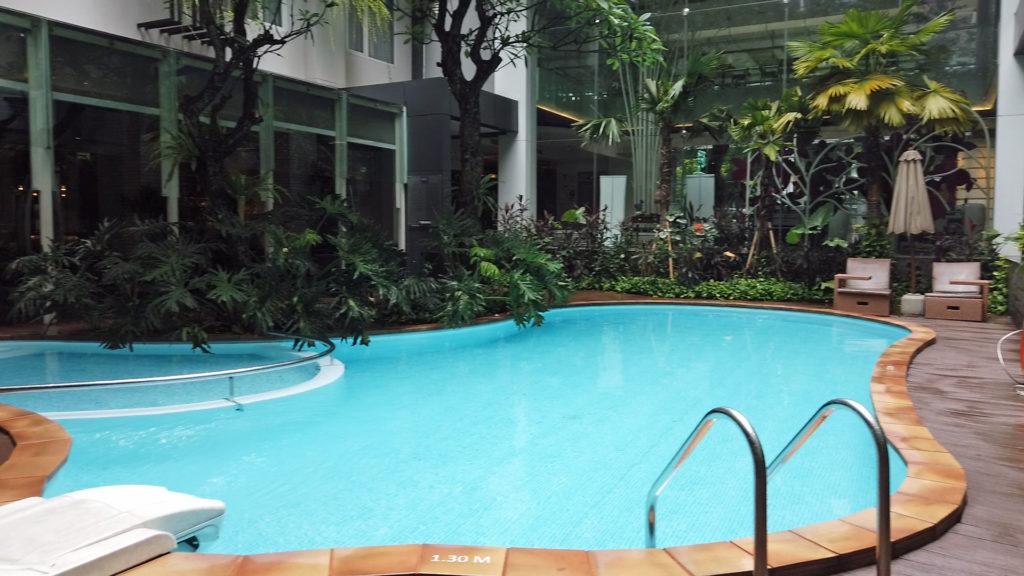 メルキュールジャカルタサバンのプール