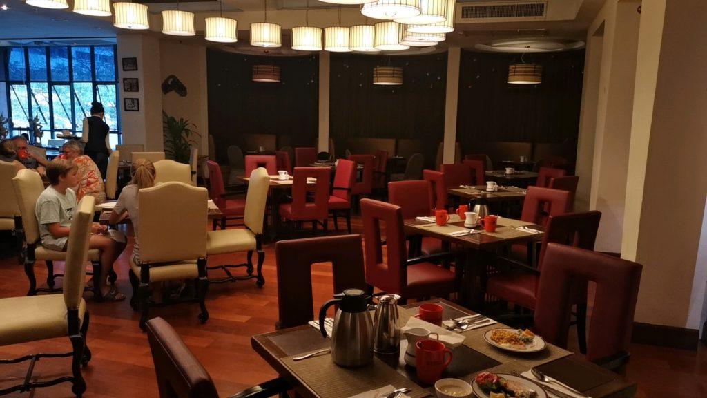 レンブラントホテルの朝食ビッフェ会場