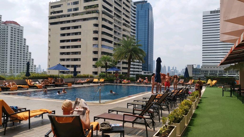 レンブラントホテルのプール