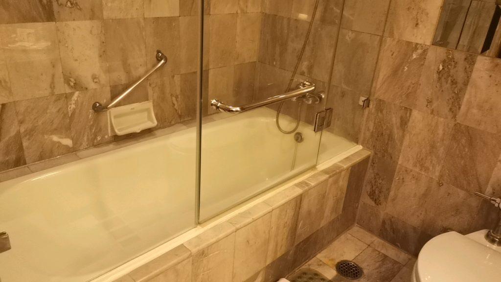 レンブラントホテルの浴槽